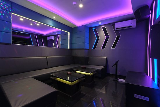 4.Karaoke Room